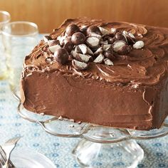 Everyone's favorite soda-fountain treat adds a delectable twist to rich chocolate cake recipe! More chocolate cake recipes here: http://www.bhg.com/recipes/desserts/cakes/chocolate-cakes/?socsrc=bhgpin121713chocolatecakewithmalttopping&page=5