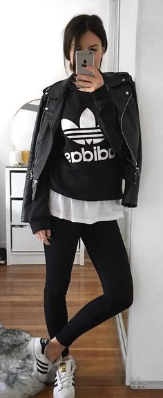 Best Outfit Inspiration For Every Type of Date street style perfection Legging Outfits, Sporty Outfits, Fashion Outfits, Fashion Trends, Style Fashion, Summer Outfits For Teens, Cute Summer Outfits, Spring Outfits, Adidas Outfit