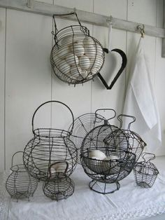 Vintage wire egg baskets have that rustic and timeless look to them that makes them great in a lot of different decorating styles. Wire Egg Basket, Wire Baskets, Chicken Wire, Chicken Eggs, Farm Chicken, Fresh Chicken, Wire Crafts, Vintage Kitchen, Vintage Decor