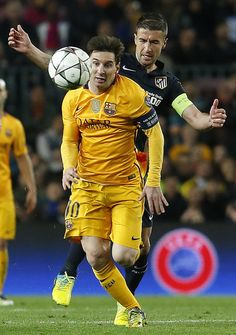 Barcelona's Argentinian forward Lionel Messi chases the ball during the UEFA Champions League quarter finals first leg football match FC Barcelona vs Atletico de Madrid at the Camp Nou stadium in Barcelona on April 5, 2016.