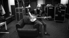 Taking stock of the legendary rocker's steady, stunning career : Tom Petty by Steven Hyden Tom Petty Highway Companion, Dodger Stadium Concert, Exile On Main St, Travelling Wilburys, Music Pics, Rockn Roll, Rock Legends, Fine Art Photo, Classic Rock