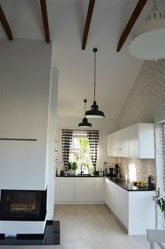dom w stylu skandynawskim, biała cegła