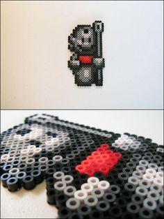 Super Mario 3 - Statue Mario - bead sprite magnet