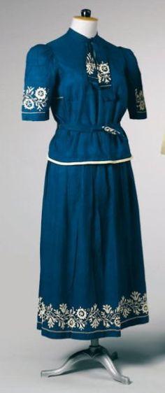 1927 - Poiret. Linen.