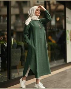 Hijab Fashion 403494447866216100 - Iipekbocugu Tunik Keten Desensiz Source by faezepourheydar Modern Hijab Fashion, Muslim Fashion, Modest Fashion, Fashion Outfits, Girly Outfits, Fashion Advice, Fashion Ideas, Men's Fashion, Hijab Outfit
