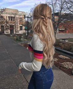 Half up twisted braid, blonde curled hair with half up hairstyle. Super cute and… Half up twisted braid, blonde curled hair with half up hairstyle. Super cute and easy love the way this looks for fall. Up Hairstyles, Pretty Hairstyles, Braided Hairstyles, Hairstyles With Curled Hair, Hairstyle Ideas, Easy School Hairstyles, Wedding Hairstyles, Hair Inspo, Hair Inspiration
