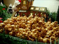 Caramel Popcorn! This is going to be one of my christmas presents this year, but with a twist!