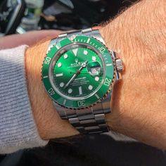 💪 #hulk #rolex #submariner #rolexwatches #rolexsubmariner #rolexhulk #diver #scubadiving #scuba #king #diving #sunshine #sunshine #sunnyday #116610 #116610lv #116610lv💚 #wristshot #instagood #instadaily