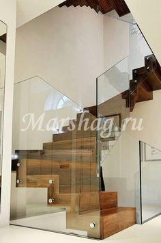 Деревянная лестница и самонесущие ограждения из стекла под заказ по телефону (495)998-73-71 http://marshag.ru