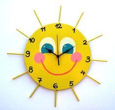 Crafts For Kids Sunshine Clock Wooden Clock, Wooden Pegs, Wooden Crafts, Paper Crafts, Clock Craft, Diy Clock, Little Miss Sunshine, Toddler Crafts, Preschool Crafts
