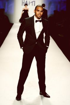 Chris Brown♥ Nothing more sexy than a man in a suit :)