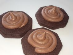 Cocoa Butter Cookies Raw Cocoa Butter, Cookies, Baking, Desserts, Blog, Crack Crackers, Tailgate Desserts, Deserts, Biscuits