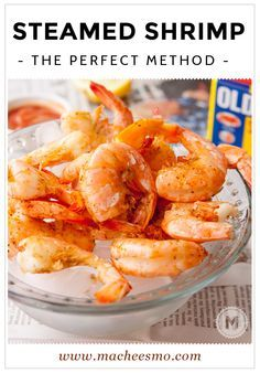 How to steam shrimp perfectly every time. It's not that hard and you don't even have to shell them before you steam them! An easy seafood recipe for a meal the family will love - perfect for simple summer dinner idea! Shrimp Dishes, Shrimp Recipes, Fish Recipes, Shrimp Meals, Chef Recipes, Asian Recipes, Dinner Recipes, Steamed Shrimp Old Bay, Boiled Shrimp Old Bay