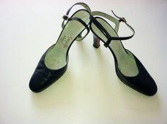 Amalfi by Rangoni Vintage 50's High Heel Shoe by ElizaDooNothing, $24.99