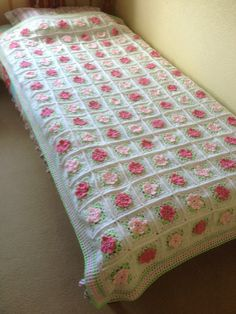 Crocheted Tea Rose Granny Square by elisabeth76 on Etsy (Home & Living, Bedding, Blankets & Throws, Afghans, home wares, single bed, heirloom, blanket, afghan, bedspread, crochet granny, crochet bedspread, crochet afghan, crochet blanket, crochet throw, crochet bedcover, crochet coverlet)
