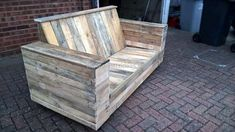 upcycled-pallet-wood-patio-couch