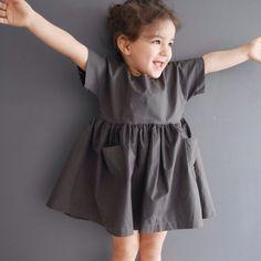 Robe à poches noire via Hello Ella. Click on the image to see more!