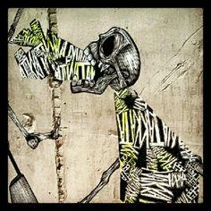 Trash talking skeleton #streetart #graffiti #vallcarca #barcelona