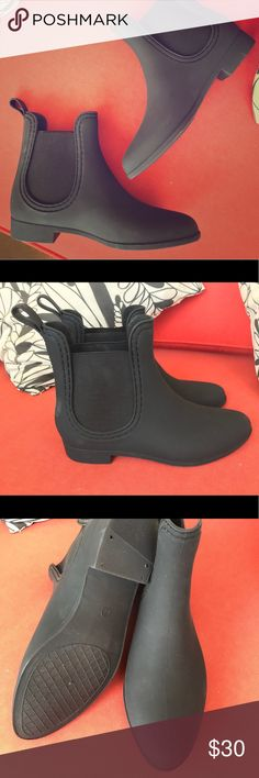 Jeffrey Campbell Chelsea Rain Boots Jeffrey Campbell rubber Chelsea boots. Great rain boots that are practical and also fashionable! Ankle height, stretchy sides for easy slip on. Never worn! Size 7 runs large could easily fit 7.5 as well. Jeffrey Campbell Shoes Winter & Rain Boots