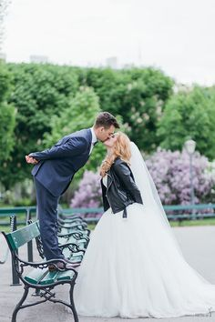 Bride in a leather jacket € Vera Wang Photo from Doris + Michael collection by die Ciuciu's Dory, Vera Wang, Leather Jacket, Bride, Wedding Dresses, Collection, Fashion, Studded Leather Jacket, Wedding Bride