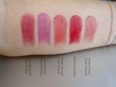 Estos son 5 de los 8 tonos disponibles de los True Color Revolution , los labiales en gel de Avon . Me los mandaron de la marca para...