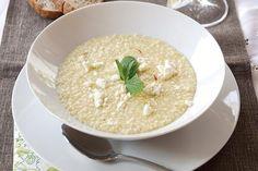 Σούπα με τραχανά, φέτα και χωριάτικο λουκάνικο - Συνταγές | γαστρονόμος