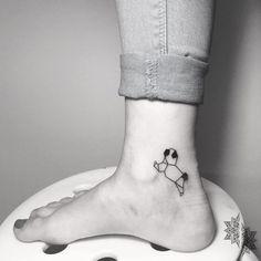 Geometric pug is part of Cat tattoos Silhouette Simple - Geometric pug🐶 viktoriaviteztattoo geometrictattoo pugtattoo pug blackwork inkedgirls girlyta Mops Tattoo, Cat Tattoo, Tattoo Drawings, Mini Tattoos, Small Tattoos, Wolf Tattoos, Animal Tattoos, Tatoos, Pugs