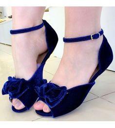 Girls Formal Shoes, Girls Shoes, Shoe Boots, Shoes Sandals, Stylish Sandals, Fashion Sandals, Crazy Shoes, Vintage Shoes, Beautiful Shoes