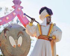 Prince Ali!  #Aladdin #princeali  #mickeyssoundsationalparade #soundsationalparade #disneyland #disneyland60 #instadisney #anahiem #happiestplaceonearth #disneyparks #disneygram #disneygeek #disneymagic #DLR #disneylandresort #disneyside #disneylife #disney #themepark #annualpassholder #disneylandfanclub #disneylanddave #disneypicsandinfo by soundsationalpanda