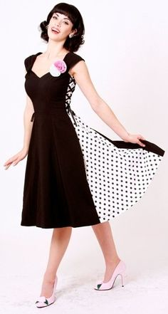 cute pin-up corset polka dot dress Pin Up Dresses, 50s Dresses, Pretty Dresses, Dress Outfits, Fashion Outfits, Rockabilly Mode, Rockabilly Fashion, Retro Fashion, Vintage Fashion