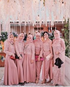 Hijab Dress Party, Hijab Style Dress, Party Gowns, Dress Outfits, Kebaya Hijab, Kebaya Dress, Hijabi Gowns, Kebaya Modern Dress, Wedding Hijab Styles