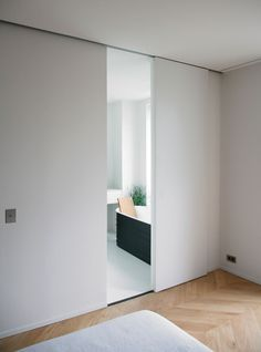 Comfortable Chic And Creative Interior Sliding Door Design Ideas ...