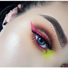 Neon Pink Eyeliner and Lime Green Eyeshadow Unique Makeup, Creative Makeup, Love Makeup, Colorful Makeup, Makeup Inspo, Makeup Inspiration, Makeup Tips, Beauty Makeup, Makeup Looks