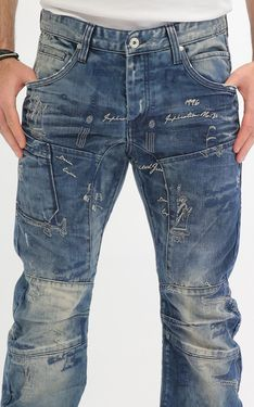 Looking for Men's Designer Jeans? Cipo & Baxx has the latest styles of Men's Ripped Jeans in Australia. Shop now on our online store! Dope Outfits, Fashion Outfits, Monogram Jacket, G Star Raw Jeans, Denim Fashion, Fashion Edgy, Men In Uniform, Denim Jeans Men, Mens Clothing Styles