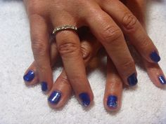 Gelish nails - Caution colour