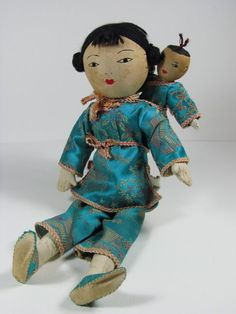 Beautiful Girl Dolls With Traditional Antique Clothing #DollswithClothingAccessories