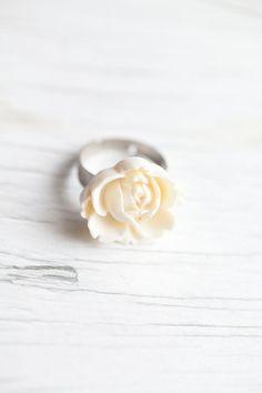 Romantic white flower ring #bridal