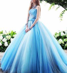 #weddingdress #dress #promdress #couturedress #novias #brides #ウエディングドレス#カラードレス #プレ花嫁 #花嫁#グラデーション#ドレス #ブルー#海#きれい#さわやか #kiyokohata#キヨコハタ KH_0363