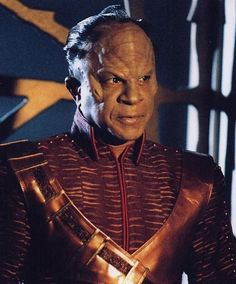 Tucker Smallwood as Xindi in Star Trek: Enterprise.  He also appeared in Star Trek Voyager and as Commodore Ross in Space: Above and Beyond.   http://www.imdb.com/name/nm0806613/?ref_=tt_cl_t7