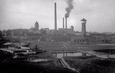 W Krapkowicach utworzono kolumnę roboczą brytyjskich jeńców wojennych ze Stalagu VIII B w Łambinowicach. Pierwszym było Arbeitskommando R-8