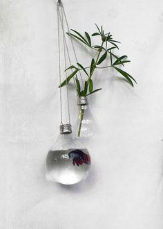 Créer de petits vases avec des ampoules...