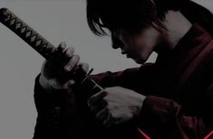 All about Katana (Japanese Samurai Sword) with the extensive information and beautiful photos. The ultimate weapon for cutting with soul of samurai. Character Aesthetic, Aesthetic Photo, Aesthetic Art, Aesthetic Pictures, Character Design, Donia, Rurouni Kenshin, Japanese Aesthetic, Avatar The Last Airbender