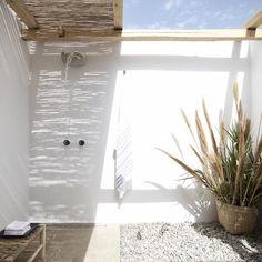 Trendy home exterior design bath Ideas Home Design, Modern House Design, Zen Design, Bath Design, Design Hotel, Mykonos Hotels, Design Exterior, Interior And Exterior, Interior Modern