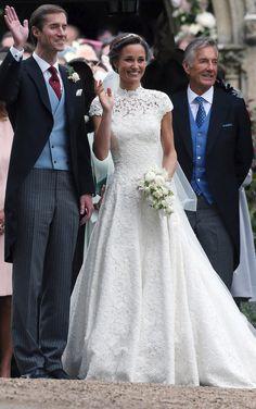 Pippa Middleton svatba (Pippa Middleton on Wedding) Pippa Middleton Wedding Dress, Kate Middleton, Royal Weddings, Royal Families, Wedding Dresses, Style, Fashion, Night, Bridal Gowns