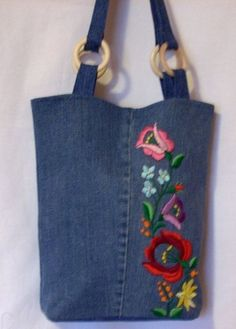 hu img product normal r zevde dikilebilecek kot canta modelleri evde dikilebilecek kot canta modelleri The post evde dikilebilecek kot canta modelleri appeared first on Daily Shares.Jeans tote bag with embroidery. Denim Tote Bags, Denim Purse, Jean Purses, Purses And Bags, Embroidery Bags, Denim Crafts, Recycle Jeans, Craft Bags, Recycled Denim
