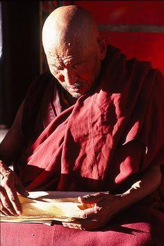Travel Asian Tibetan Buddhism in red