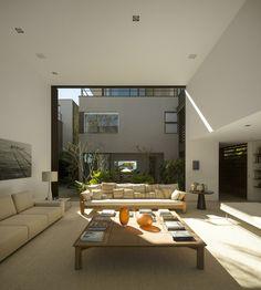 Gallery of Four Houses in Baleia / Studio Arthur Casas - 25