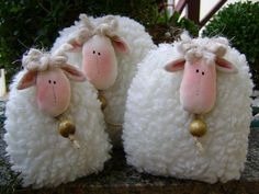More sheepie ornaments Sheep Crafts, Felt Crafts, Easter Crafts, Fabric Crafts, Sewing Crafts, Diy And Crafts, Christmas Crafts, Crafts For Kids, Arts And Crafts