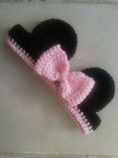 31 new Ideas for crochet kids headbands pattern ear warmers - Warmers - Ideas of Warmers Crochet Girls, Crochet Baby Hats, Crochet Beanie, Love Crochet, Crochet For Kids, Crochet Clothes, Knit Crochet, Crochet Minnie Mouse Hat, Crochet Headbands