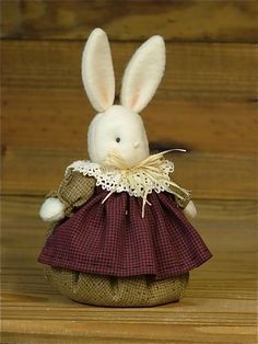 Over Tall Bunny Friends Rabbit Crafts, Bunny Crafts, Easter Crafts, Bunny Painting, Fabric Animals, Spring Projects, Felt Christmas, Fabric Dolls, Easter Bunny